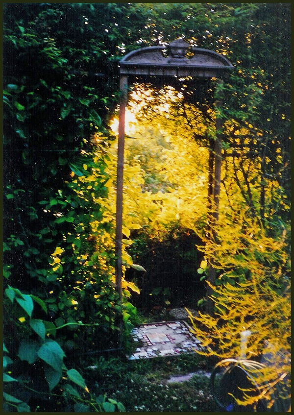 Hedge Gate to Flower Garden